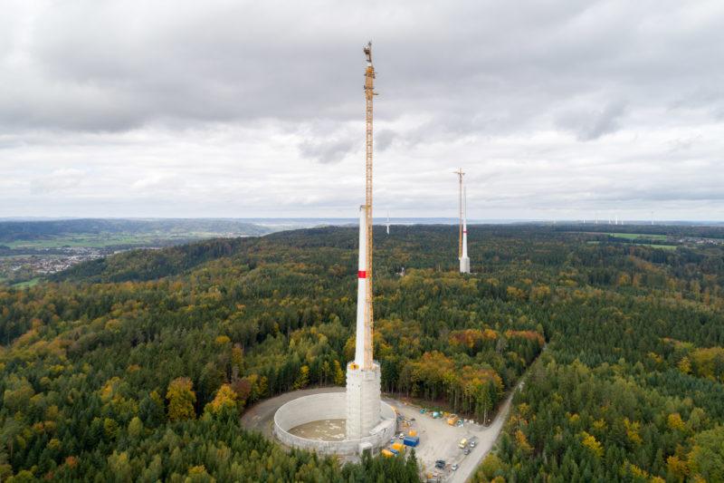 Luftaufnahmen und Drohnenfotografie: Drohnenfoto einer Baustelle für Windkrafträder.