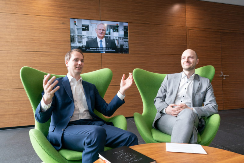 Talking pictures: Interview with executives: Being close with the camera also carries the risk of disturbing the conversation. I always try very hard to work as unobtrusively and silently as possible.
