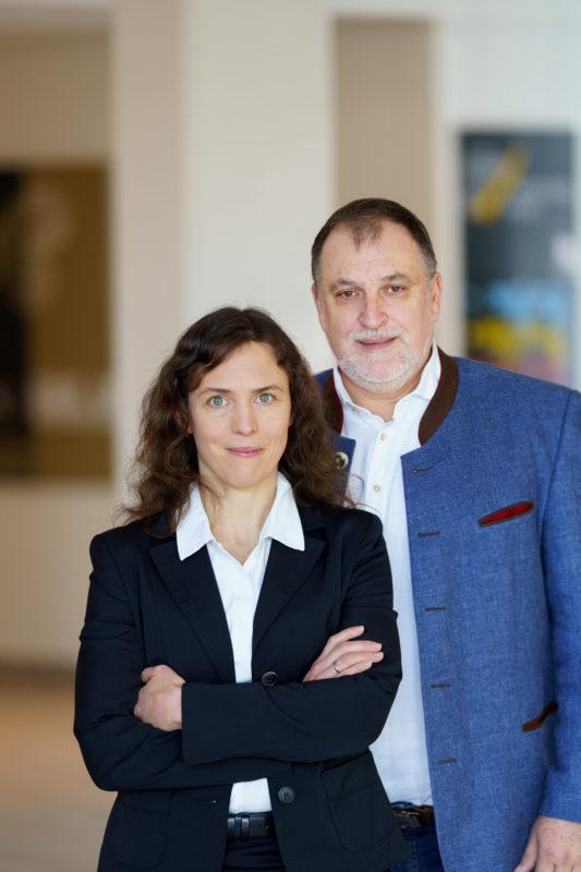 Portrait von IT-Fachleuten: Portraitiert man zwei unterschiedliche Personen, so sollte man nicht Vergessen, auch ein gemeinsames Doppelportrait bereitzustellen.